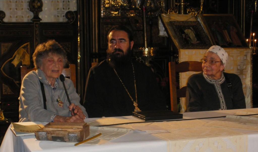 Măriuca și Sandra Vulcănescu, alături de Mitropolitul Iosif, în Catedrala română din Paris