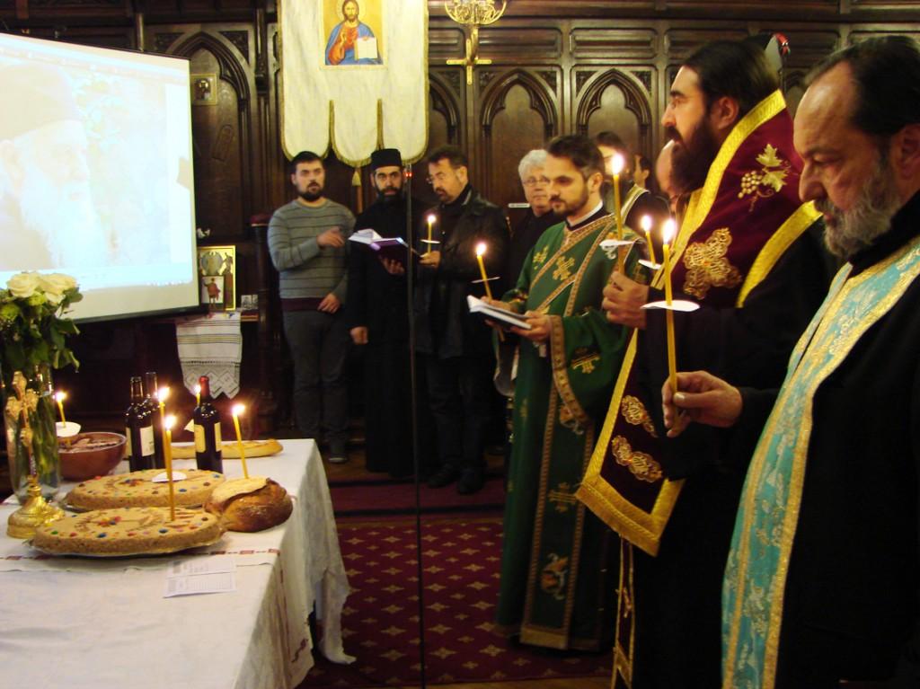IPS Mitropolit Iosif și Pr. Jean Boboc săvârșind parastasul Părintelui Calciu