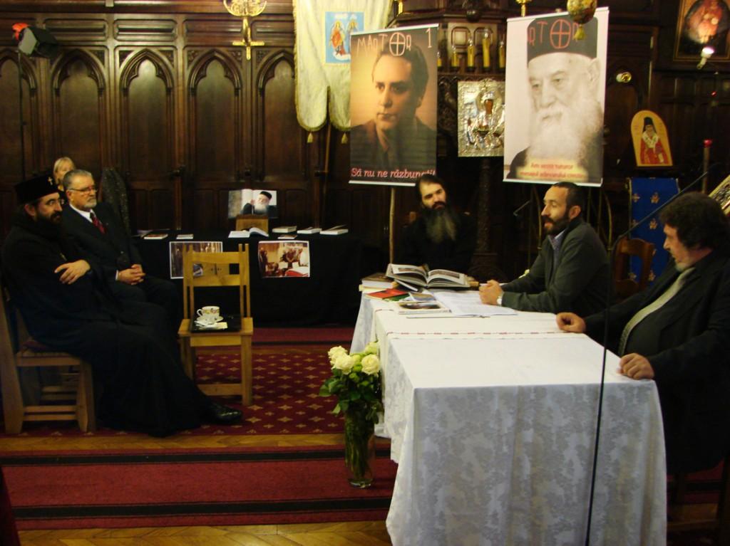 IPS Mitropolit Iosif asistând la conferința Martor 2 despre Părintele Calciu