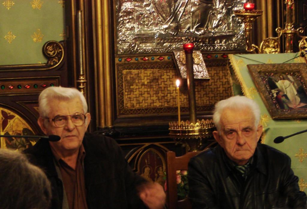 Marcel Petrișor vorbind despre Părintele Calciu, alături de Demostene Andronescu