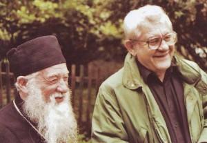 Părintele Gheorghe Calciu împreună cu Marcel Petrișor