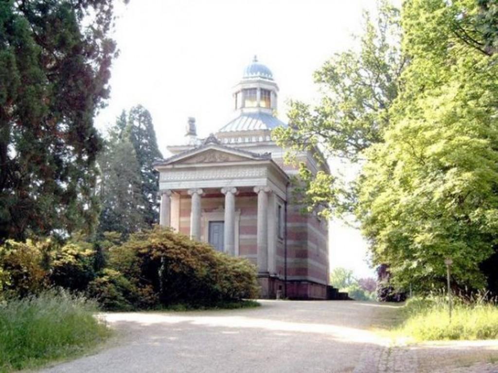 Biserica ortodoxă românească din Baden-Baden, Germania
