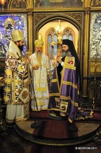IPS Mitropolit Iosif, IPS Mitropolit Andrei și PS Episcop Ignatie la slujba hirotoniei din Catedrala Mitropolitană din Paris, 11.12.11